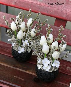 Tulpen Arrangements, Easter Flower Arrangements, Easter Flowers, Floral Arrangements, Diy Easter Decorations, Decoration Table, Handmade Decorations, Flower Decorations, Diy Osterschmuck
