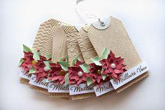 Tag de Noël orné d'un poinsettia. En ajoutant un mini-fanion, il peut servir d'étiquette-cadeau ou de marque-place - tutoriel