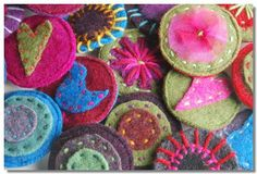 Google Image Result for http://www.craftsofthenorth.co.uk/images/uploads/cham/felted%2520wool%2520brooch.JPG