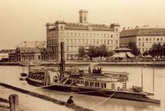 """Donaudampfschifffahrtsgesellschaft"" - Mark Twain was even fascinated by this ""awful"" German word in his essay ""Awful German Language. That's been the headquarter of the ""Danube Steam Boat Association"". #Vienna #Danube #olddays"