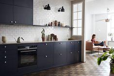 Kjøkken i nydelig mørkeblått