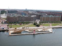 Built by BIG,JDS in Copenhagen, Denmark with date 2003. Images by Casper Dalhoff, Esben Bruun, Hanne Fuglbjerg. Copenhagen's harbour is in the midst of a transformation from an industrial port and traffic junction to being the cu...