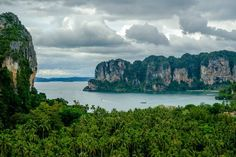 View from #Railay viewpoint #Thailand #sea #beach #forest #travelphotographer #instagood #instadaily #clouds #FujiXT2 #nomadephoto