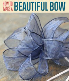 christmas bows Archives – DIY Projects Craft Ideas & How To's for Home Decor with Videos Diy Bow, Diy Ribbon, Ribbon Crafts, Wired Ribbon, Tying Ribbon Bows, Tie A Bow, Ribbon Flower, Fabric Flowers, Fabric Crafts