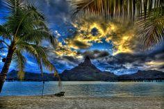 Bora Bora Golden Sunset