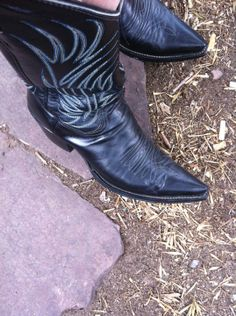 Vintage, new and pre-owned cowboy boots, vintage and new attire and accessories