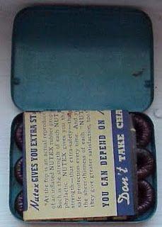 """Belleza """"radiante"""", cosméticos y otros productos radiactivos.Preservativos Nutex: Estos condones radiactivos,  gracias al radio que contenían, mejoraba la potencia sexual del que los llevaba."""