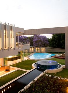 Glass House by Nico van der Meulen Architects  www.liberatingdivineconsciousness.com
