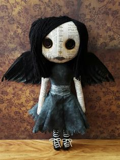 Handmade Doll 'Draven' by MoodyVoodies on Etsy! @moodyvoodies on Instagram Inspired by the movie The Crow. #goth #gothic #artdoll #plushdoll #creepydoll #creepydolls #creepycute #thecrow