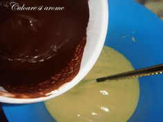 Chec pufos – Culoare si Arome Romanian Food, Chocolate Fondue, Deserts, Pudding, Baking, Cakes, Kitchen, Millefeuille Recipe, Recipes