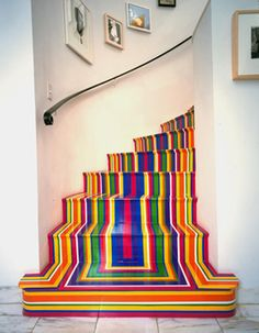 However, leaving the rolls, I present a Pop-Art staircase that has no waste.It was designed by Scotsman Jim Lambie and vinyl tape combines vibrant colors very carefully placed to achieve a striking. Jim Lambie, Home Design, Interior Design, Design Ideas, Art Designs, Design Inspiration, Creative Inspiration, Interior Ideas, Painted Stairs