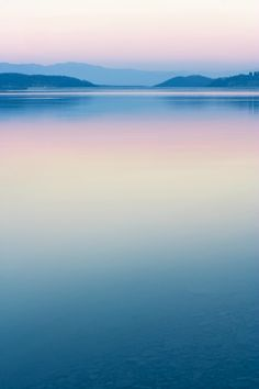 PANTONE COTY 2016 – Peaceful ~ a great tranquil photo of a beautiful landscape -the colours' candy-like too; all too sweet. PANTONE COTY 2016 – Peaceful ~ a great tranquil photo of a beautiful landscape -the colours' candy-like too; all too sweet. Image Nature, All Nature, Beautiful World, Beautiful Places, Beautiful Sunset, Beautiful Pictures, Landscape Photography, Nature Photography, Photography Tips