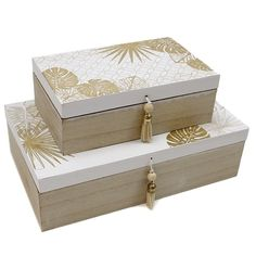 Wooden Memory Box, Wooden Gift Boxes, Wood Boxes, Money Box Wedding, Wedding Gift Boxes, Cigar Box Crafts, Paper Bag Design, Wooden Painting, Gift Box Design