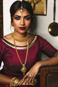 15 trendy hair accessories for work chic Bride Makeup, Girls Makeup, Glam Makeup, Beauty Makeup, Vithya Hair And Makeup, Dark Skin Makeup, Indian Makeup For Dark Skin, South Indian Makeup, Indian Makeup Looks