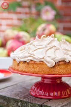 #Apfelkuchen mit #Baiser, #apple #cake topped with #meringue