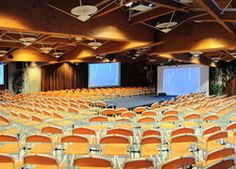 Dante Forum Hall is a modern and big hall which can host up to 800 people. It has a surface of 594 sm, and it is the perfect place for big events - Club Hotel Dante Cervia