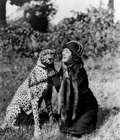 I had forgotten how inspirational I find the women explorers of the 40s era... This is explorer Osa Johnson with her pet cheetah, Bong c. 1949 -  Luckily people aren't so foolish as to keep wild animals for pets nowadays. Oh, wait...
