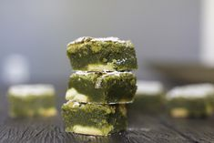 are the best EVER! Green Tea White Chocolate Brownies from Glazed & Confused Green Tea Dessert, Matcha Dessert, Matcha Cake, White Chocolate Brownies, Best Chocolate, Chocolate Glaze, Best Matcha, Green Tea Recipes, Baking Tins