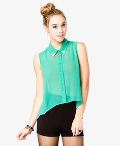 This shirt has a sheer texture. Depending on the shape of your body, this type of texture could either make you look bigger or smaller. This shirt has visual texture.