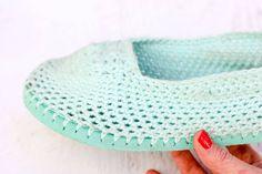 Crochet flip flop slipper after six months of wear. Still in pretty good shape! Flip Flop Boots, Flip Flop Slippers, Felted Slippers, Crochet Slippers, Crochet Slipper Pattern, Crochet Patterns, Yarn Projects, Crochet Projects, Best Flip Flops