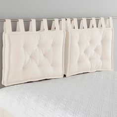 Headboard Cushion LA REDOUTE INTERIEURS Cushion headboard, beautifully finished with large knots that give it a charm. Futon Diy, Futon Bedroom, Futon Chair, Bedroom Decor, Futon Mattress, Pillow Headboard, Bed Pillows, Cushions, White Headboard