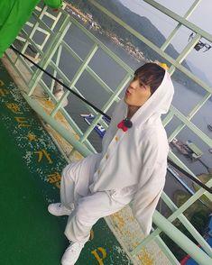 Check out Stray Kids @ Iomoio Jung Jin Woo, Kim Woo Jin, Lee Min Ho, Wattpad, Kim Woojin Stray Kids, Crime, Things To Do With Boys, Pre Debut, K Idol