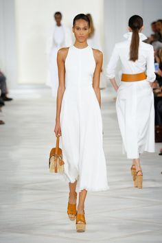 Here are some ideas I curated straight off the runway which show us the trendiest way to wear an all white outfit. All white outfit inspiration straight off the runway. designer couture, ready-to-wear, fashion week, vintage fashion All White Outfit, White Outfits, Summer Outfits, White Dress, Navy Dress, Fashion Mode, New York Fashion, Runway Fashion, Fashion Trends