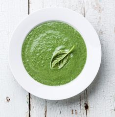 Non-creamy, vibrant, easy to make with wonderful flavor. Can thicken for a creamier texture with a white bean (cannellini or garbanzo).  #greensoup #simple #healthysoup #healthyrecipe #spinach #broccoli #kale #healtheebelly #healtheebellyrecipes #healtheebellydinners #healtheebellylunches Sweet Potato Kale, Sweet Potato Recipes, Healthy Chicken Recipes, Raw Food Recipes, Soup Recipes, Cooking Recipes, Freezer Recipes, Freezer Cooking, Lunch Recipes