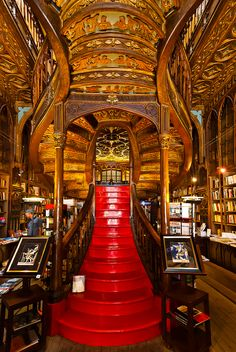Livraria Lello & Irmao in Porto Beautiful Library, Dream Library, Livraria Lello Porto, Rafting, Douro, Home Libraries, Stairway To Heaven, Oh The Places You'll Go, Stairways