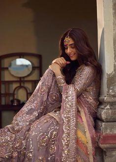 Pakistani Dresses Casual, Pakistani Wedding Outfits, Pakistani Wedding Dresses, Pakistani Dress Design, Bridal Outfits, Indian Dresses, Indian Outfits, Shadi Dresses, Pakistani Clothing