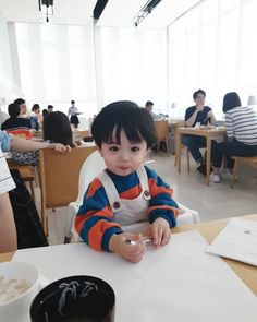 Cute Asian Babies, Korean Babies, Asian Kids, Cute Little Baby, Cute Baby Girl, Little Babies, Baby Kids, Cute Baby Boy Photos, Baby Boy Pictures