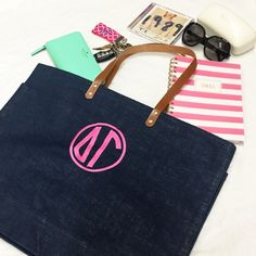 What's in your bag? Our Jute Tote is the perfect bag for the beach, class, and just everyday! www.sassysorority.com #jutetote #beach #class #tote #keyfob #sassysorority #DG #deltagamma #monogram #bidday #gogreek #sororitygift #sororitymerchandise