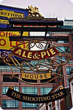 English Pub signs | http://www.andrewkelsall.com/10-unique-british-pub-signs