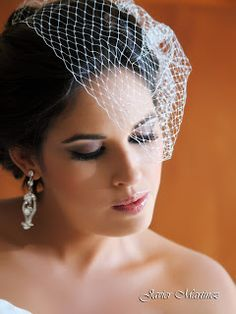 Velo de novia Bircage ideal para tu boda en playa Beach Wedding Hair, Wedding Hairstyles, Crown, Hair Styles, Fashion, Valentines Day Weddings, Bridal Veils, Wedding Hair Styles, Beach Weddings