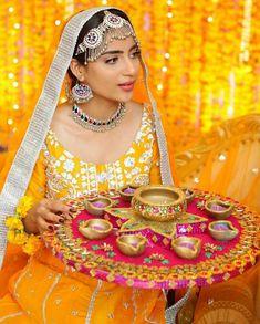 Pakistani Mehndi Decor, Pakistani Fashion Party Wear, Pakistani Formal Dresses, Pakistani Wedding Outfits, Pakistani Bridal Dresses, Bridal Outfits, Muslim Fashion, Mehendi, Mehndi Function Dresses