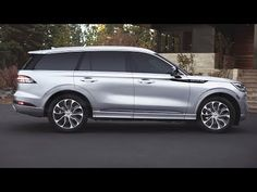 The second very interesting option is the Hybrid engine with only for 2020 Lincoln Aviator gets 450 horsepower and torque of 600 lb. Suv Cars, Sport Cars, Lincoln Aviator, Lincoln Mkx, Air Ride, Pedestrian, Luxury Cars, Interior And Exterior, Dream Cars
