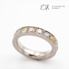 ELISABETH HABIG | INDIVIDUELLE EHERINGE | VERLOBUNGSRINGE | SCHMUCKDESIGN | ZEITGENÖSSISCHER SCHMUCK | WIEN Memory Ring, Wedding Rings, Engagement Rings, Jewelry, Wide Rings, Contemporary Jewellery, Jewellery Designs, Enagement Rings, Jewlery