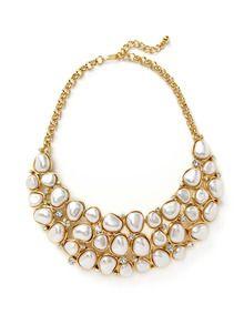 love big necklaces!
