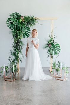Get lots of greenery and copper wedding ideas plus loads of useful decor tips flower names DIY projects more! Get lots of greenery and copper wedding ideas plus loads of useful decor tips flower names DIY projects more! Wedding Ceremony Arch, Wedding Reception Flowers, Floral Wedding, Wedding Colors, Wedding Styles, Botanical Wedding Theme, Trendy Wedding, Wedding Arches, Green Wedding