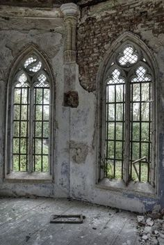 Beautiful windows in abandoned building. Abandoned Castles, Abandoned Mansions, Abandoned Places, Haunted Places, Beautiful Architecture, Beautiful Buildings, Architecture Details, Classical Architecture, Old Buildings