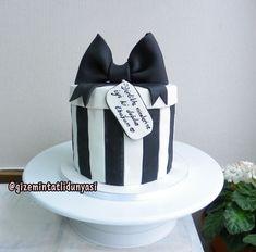 """(@gizemintatlidunyasi): """"🎁#hediyepaketipasta #giftboxcake #3dcake"""" Gift Box Cakes, 3d Cakes"""