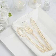 How To Clean Silverware, Plastic Silverware, Plastic Forks, Cutlery Set, Glitter Glasses, Disposable Tableware, Gold Wedding Decorations, Forks And Spoons, Cold Meals