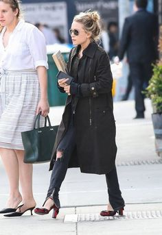 Mary-Kate Olsen Trenchcoat - Mary-Kate Olsen Looks - StyleBistro