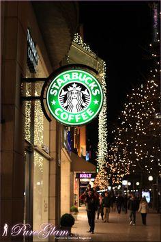 Starbucks during christmas time and decoration at Königsallee Kö/Koe - Dusseldorf/Duesseldorf/Düsseldorf, Germany/Deutschland