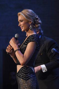 Paris Hilton Photos - Foundation Fighting Blindness World Gala - Zimbio