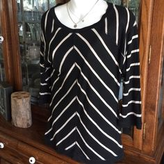 Amber Sun striped top Super comfy striped top. 3/4 sleeve with a longer fit. Yoga or everyday wear! Amber Sun Tops
