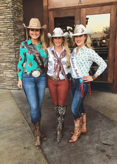 Miss Rodeo America Lisa Lageschaar Miss Rodeo California Brittney Phillips Miss Redding Rodeo Jackie Scarry Cowgirl Style Outfits, Rodeo Outfits, Country Girls Outfits, Western Outfits, Cowgirl Outfits For Women, Casual Outfits, Cow Girl, Western Chic, Western Wear