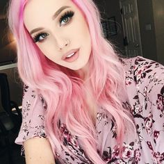 Pin by ava on cosplay in 2019 dyed hair, hair styles, hai Color Del Pelo, Coloured Hair, Dye My Hair, Grunge Hair, Rainbow Hair, Crazy Hair, Pretty Hairstyles, Latest Hairstyles, Scene Hairstyles