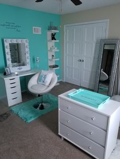 26 Makeup Room Ideas To Brighten Your Morning Routine www. - 26 Makeup Room Ideas To Brighten Your Morning Routine Cute Bedroom Ideas, Cute Room Decor, Girl Bedroom Designs, Room Ideas Bedroom, Teen Room Decor, Girls Bedroom, Bedroom Decor, Teal Teen Bedrooms, Turquoise Teen Bedroom