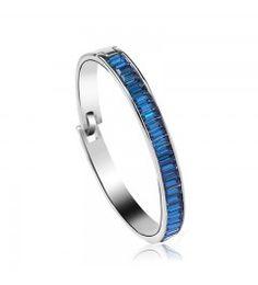 Pulsera Jasmine. Brazalete John Lesser bañado en rodio con cristales Swarovski en color azul marino